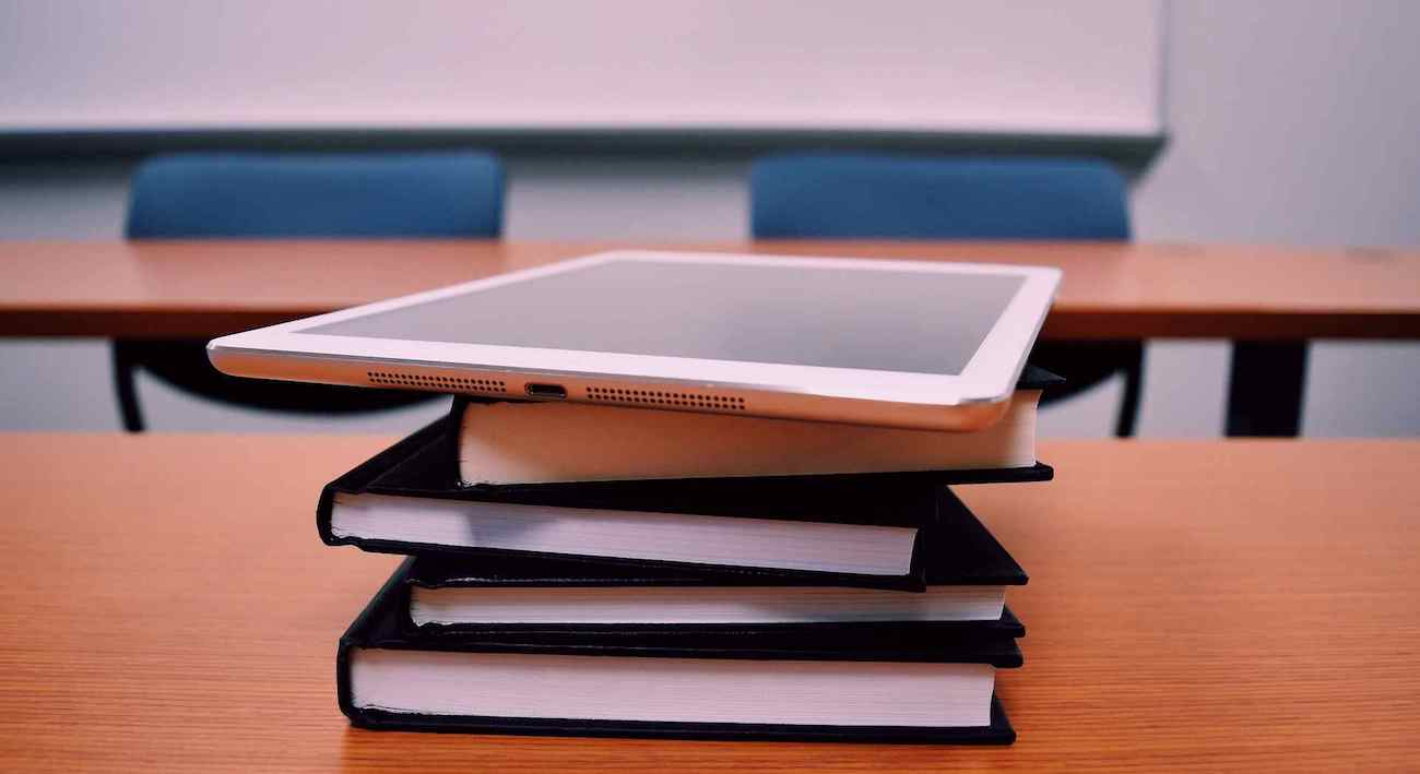 Difference between Online Learning vs Classroom Learning